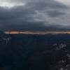 Piz Val Lunga - am Horizont geht die Sonne auf