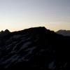 Pizz Gallagiun - Gipfelsilhouette kurz vor Sonnenaufgang